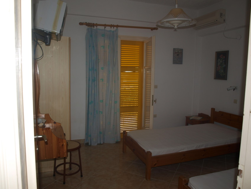 Vila_Yellow_House_Kavos_MarcoPollo, 12