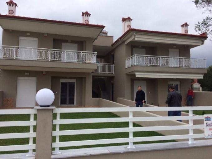 Vila George-Nikiti