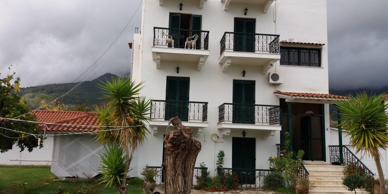 Vila Apostolos Nidri